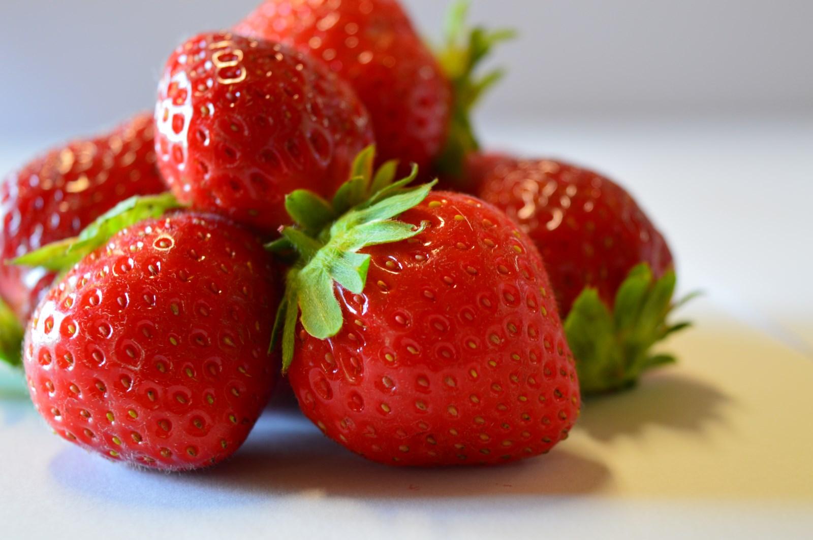 nos fraises fruits rouges du velay. Black Bedroom Furniture Sets. Home Design Ideas